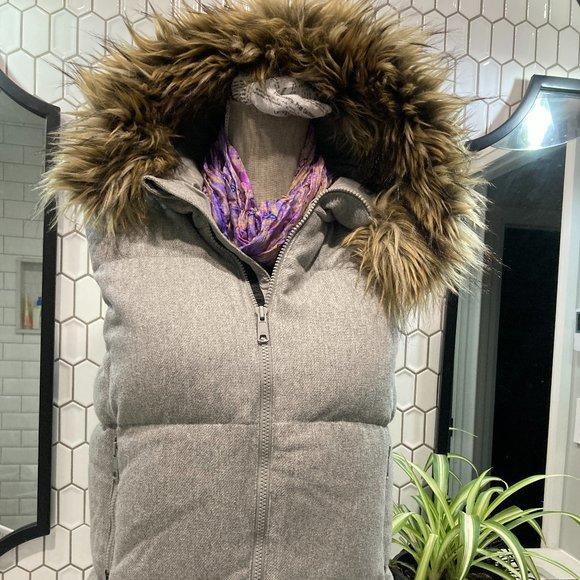 👇20% NEW 💯Gap Grey Wool Vest Faux Fur Hoodie SM